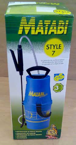 5 litre pump up pot sprayer for Boron Ultra 12 in water spraying